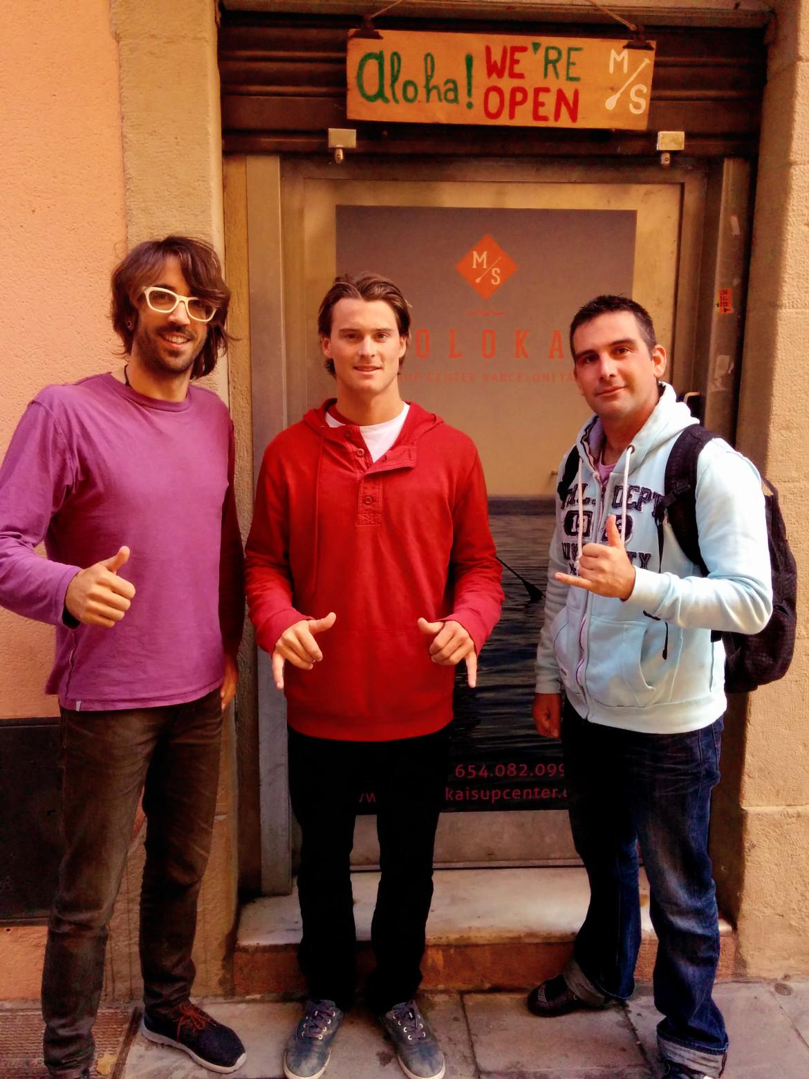 Sean Poynter (Starboard) visita Moloka'i SUP Center